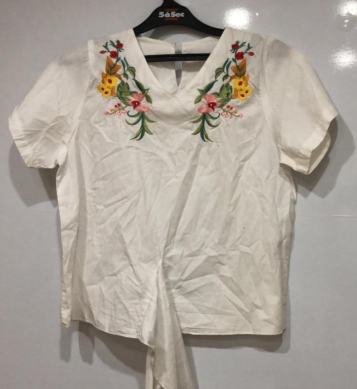 Fashion Baju wanita berbunga