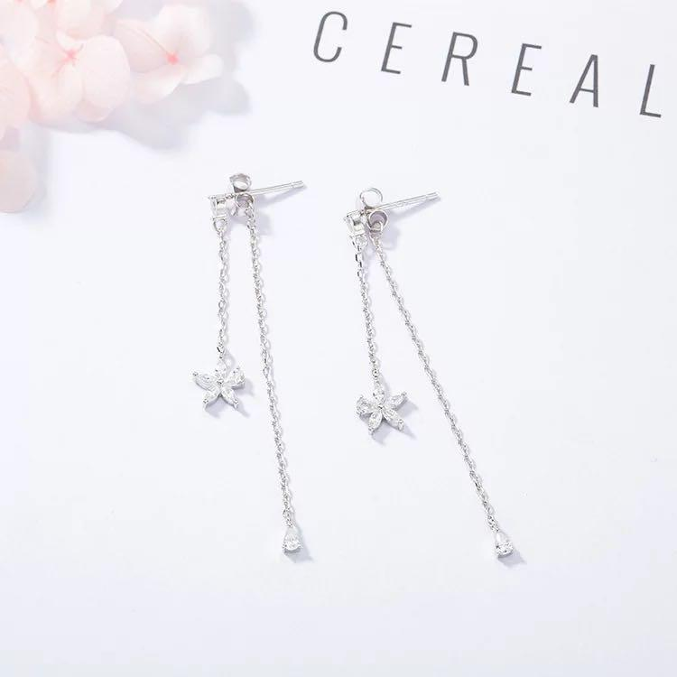 Floral drop earrings in Silver