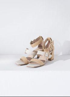 grace gift 唐葳聯名 雙寬帶方釦繞踝粗跟涼鞋-杏38 gracegift 唐葳 聯名 weiwei