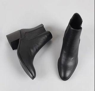 黑色春秋粗跟黑色短靴