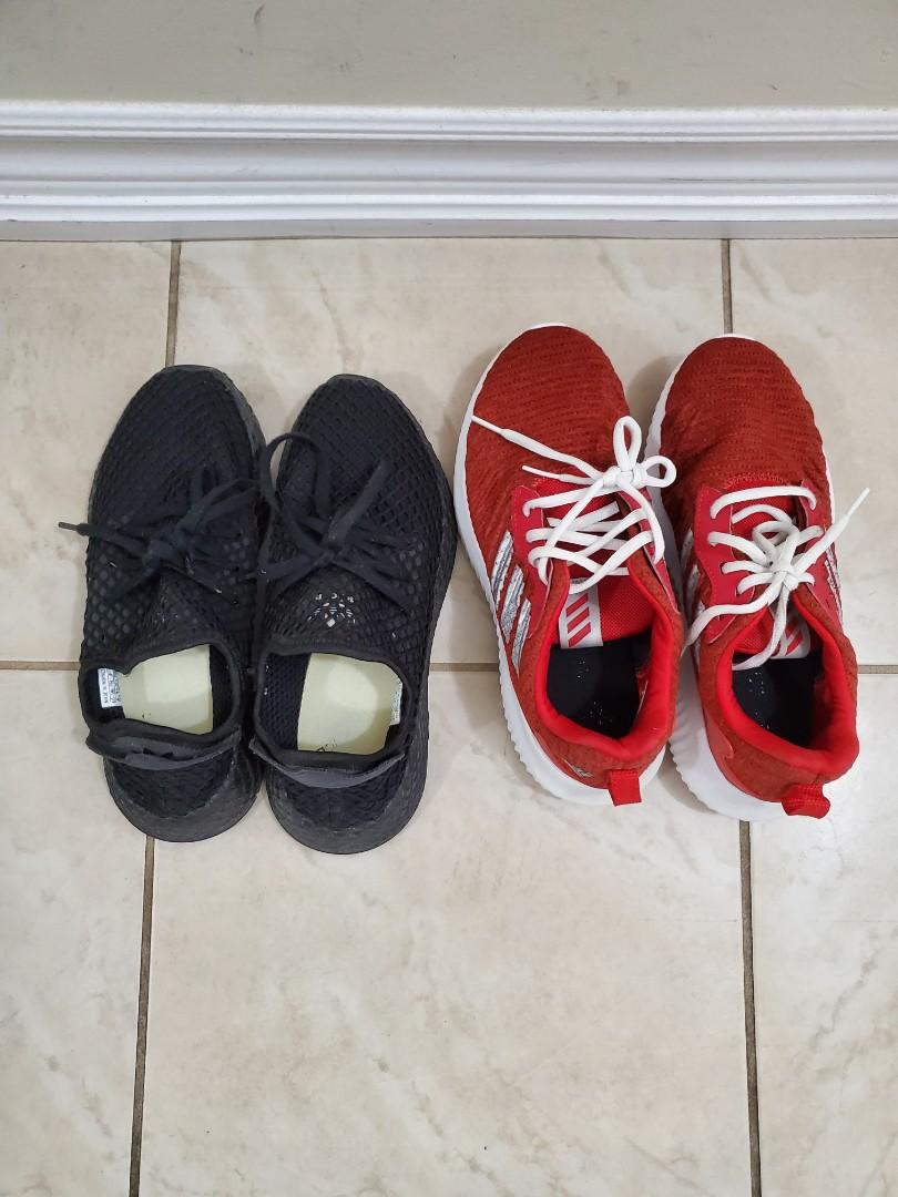 Boys shoes size 5, youth kid