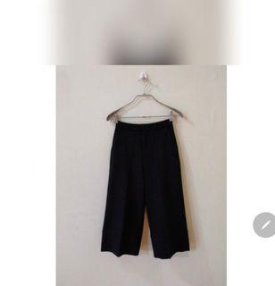 Celana kulot hitam stradivarius