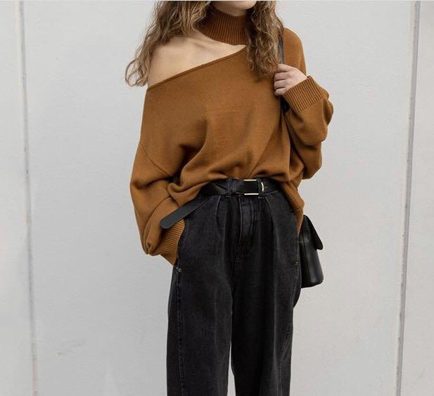 ISO oak and fort sweater