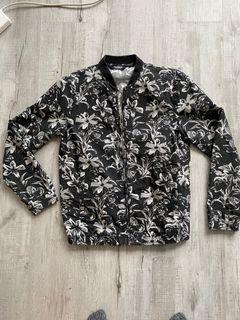 Men's lightweight bomber style jacket- size L