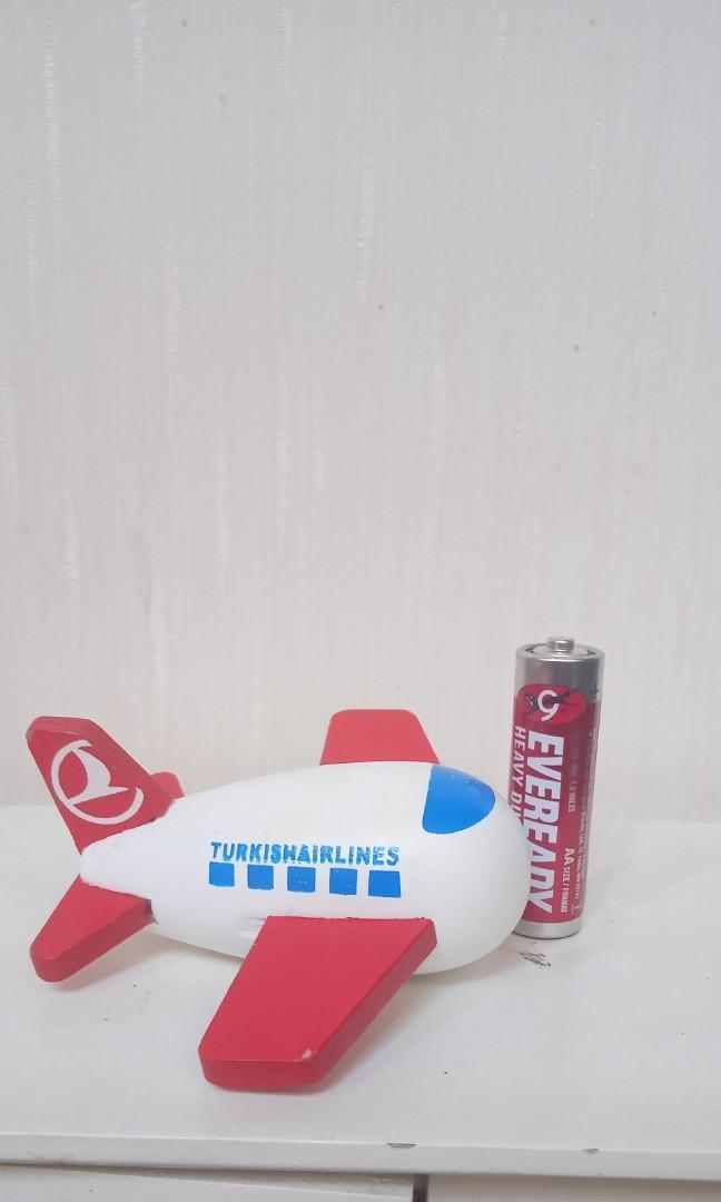 Pesawat kayu Turkish Airlines