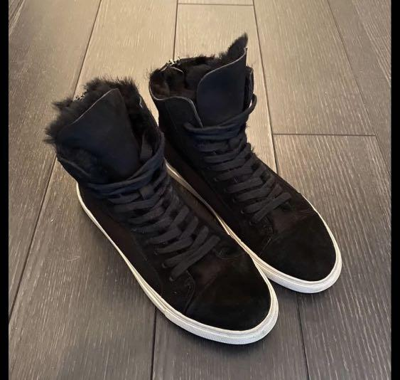 PRICE DROPPED!! Black leather sneakers