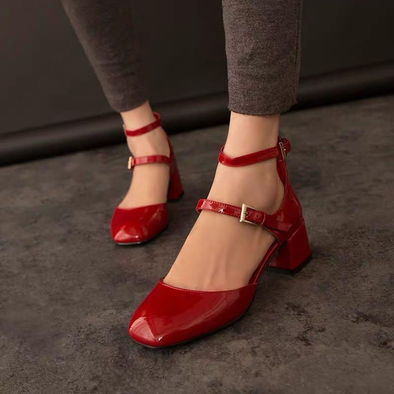 Red patent leather 5cm high heels