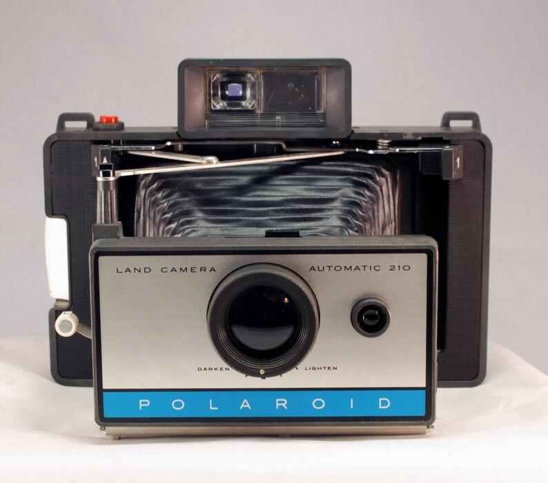 Vintage Mid 60's Polaroid Land Automatic 210 Folding Camera
