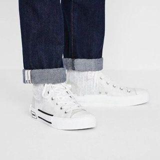 ✨ Super rare White Dior Oblique Canvas sneakers