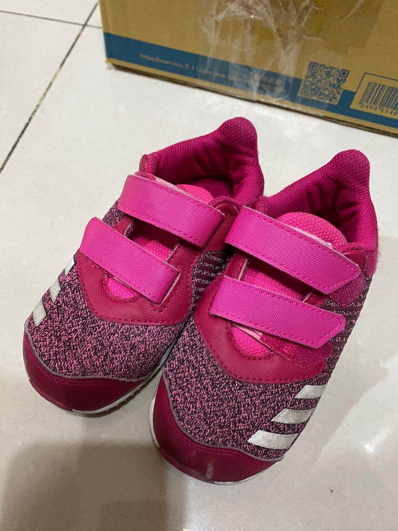Addidas 幼童鞋size 150 (適合大概4歲)