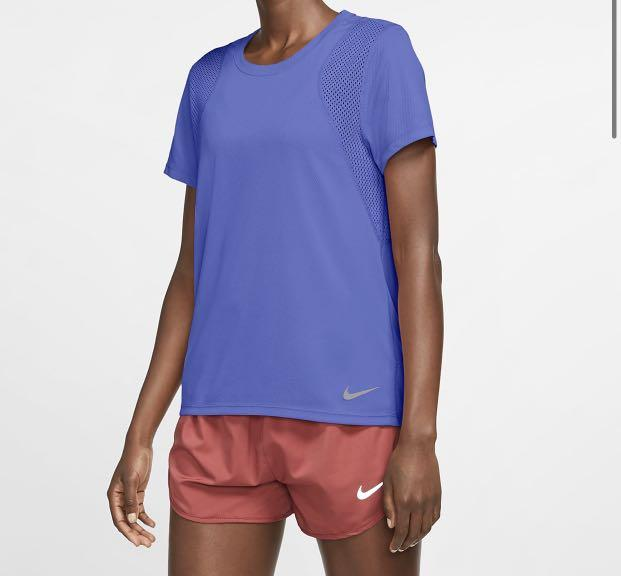 Bnwot Nike Dri Fit Tee Women S Short Sleeve Running Top Sports Sports Apparel On Carousell Moves sweat away from the skin, then draws it out of the fabric to help speed up evaporation. carousell