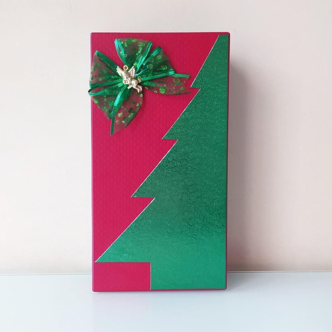 Box Kotak Parcel Hadiah Natal