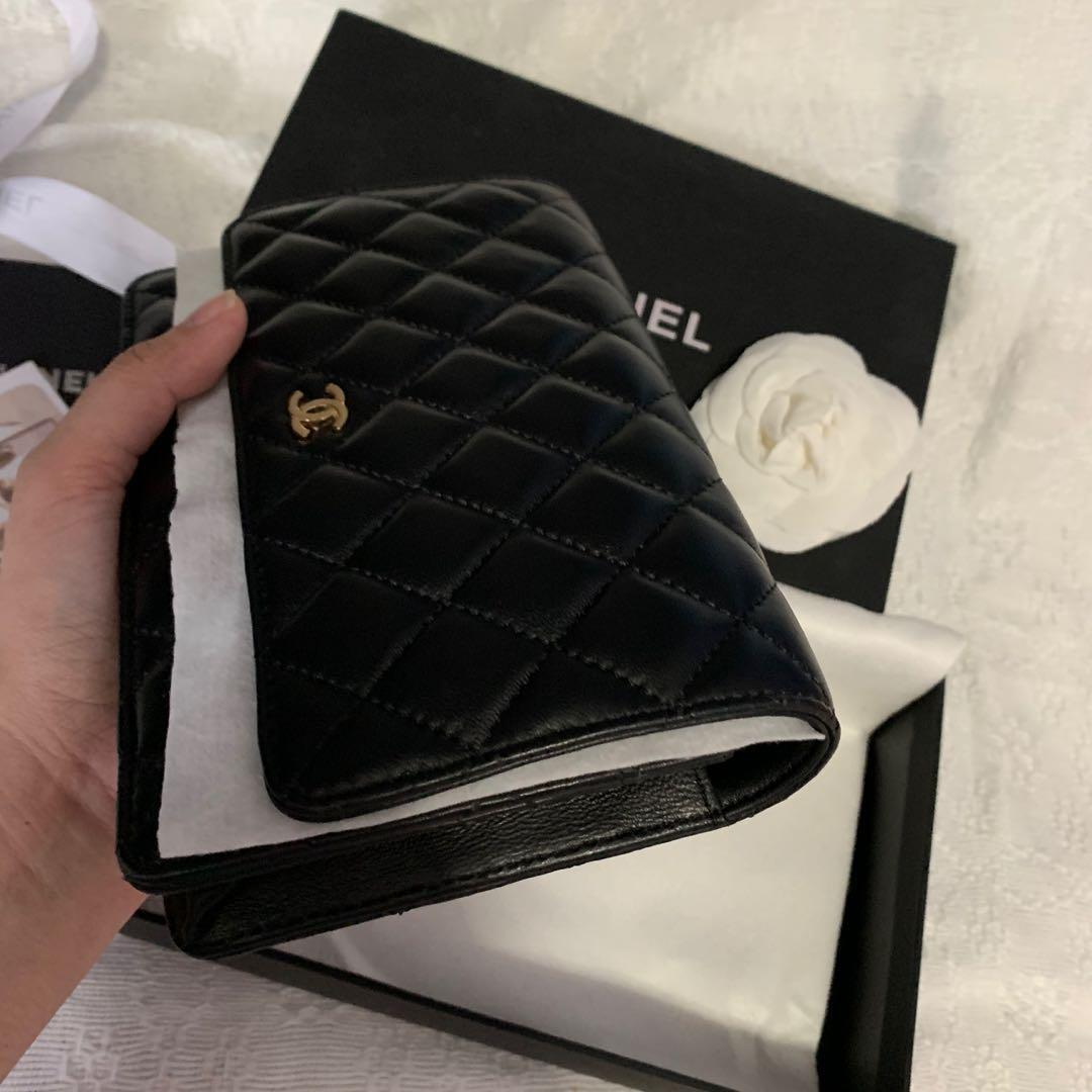 Chanel Wallet on chain (CounterQ)