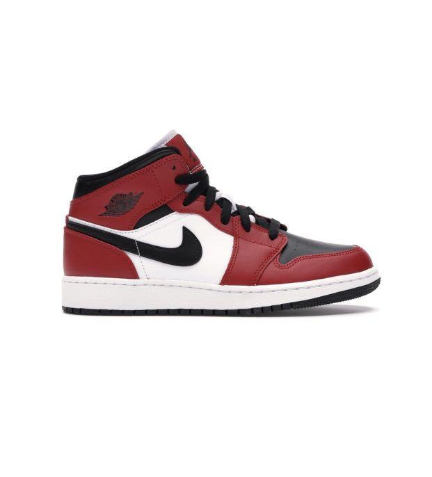 Jordan 1 Chicago Black Toe Mid