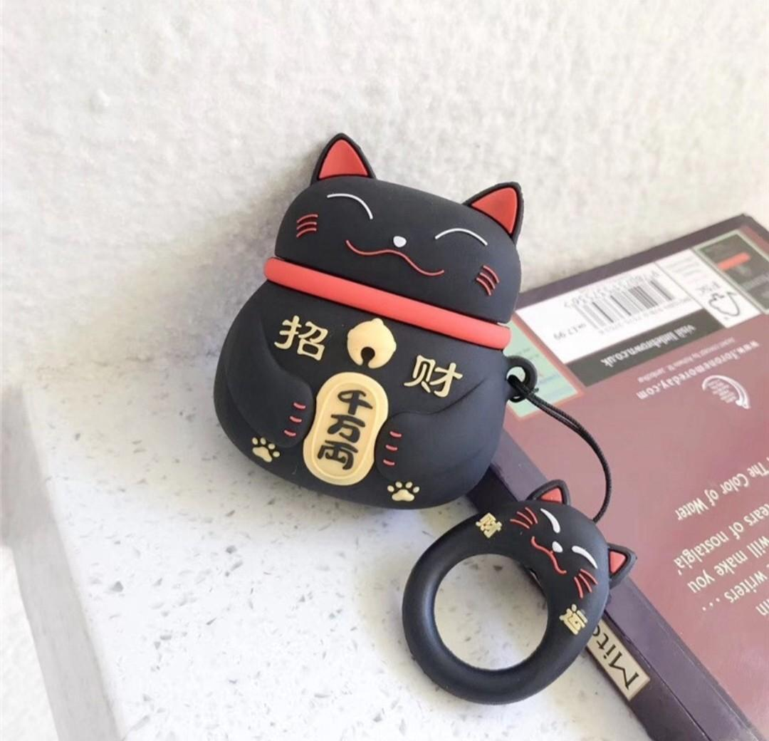 Lucky black cat case for airpods 1/2