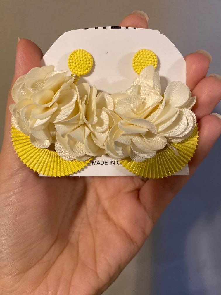 Yellow earings