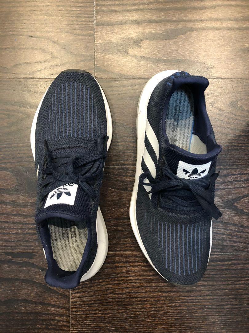 Adidas Swift Runners