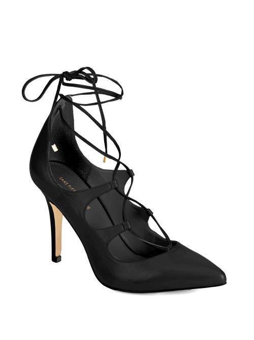 Brand new Saks fifth avenue heels