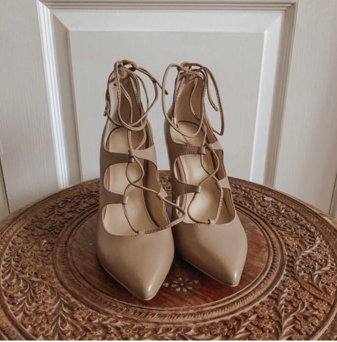 Brand new Saks fifth avenue nude heels