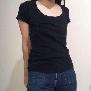 H&M Basic Black Tshirt / Hitam