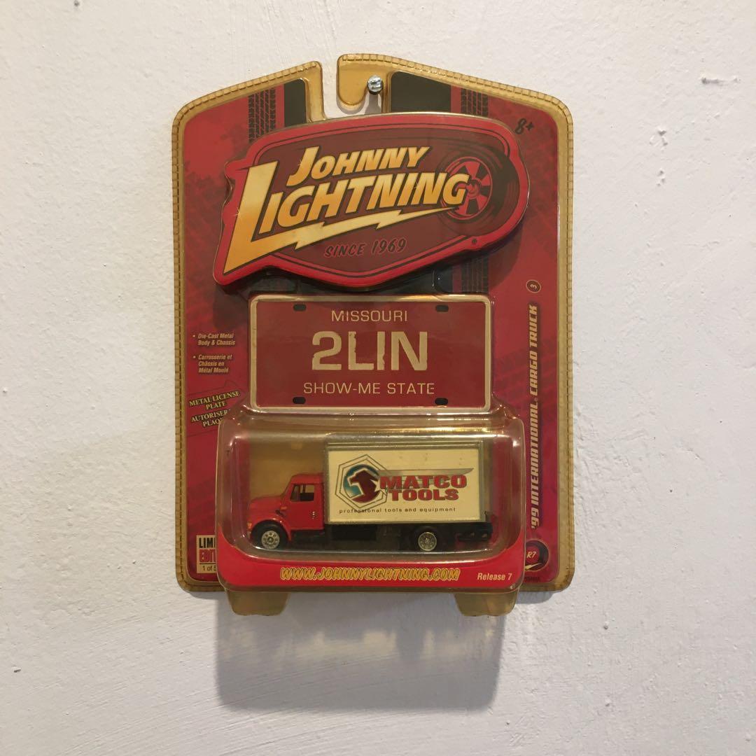 Johnny Lightning 1999 International Cargo Truck Matco Tools