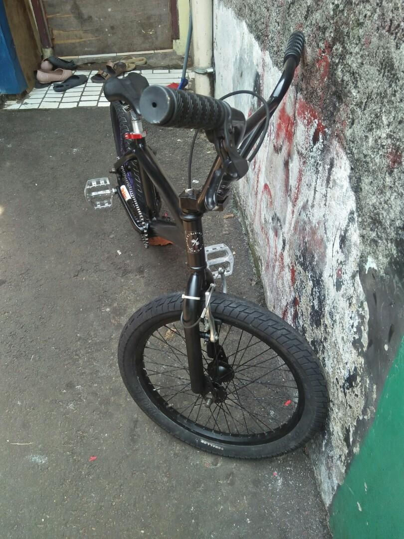 BMX  STRIKING AS 19 ALLOY
