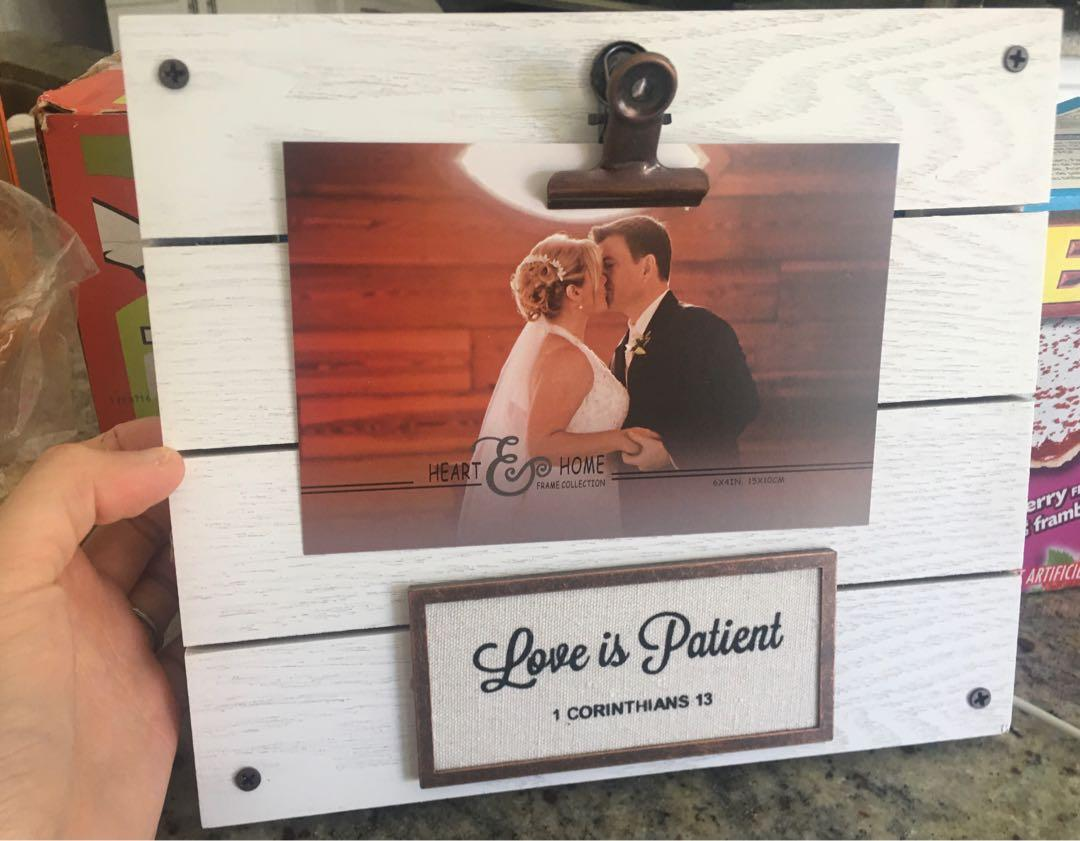 Brand new in box 4*6 inch wood photo frame