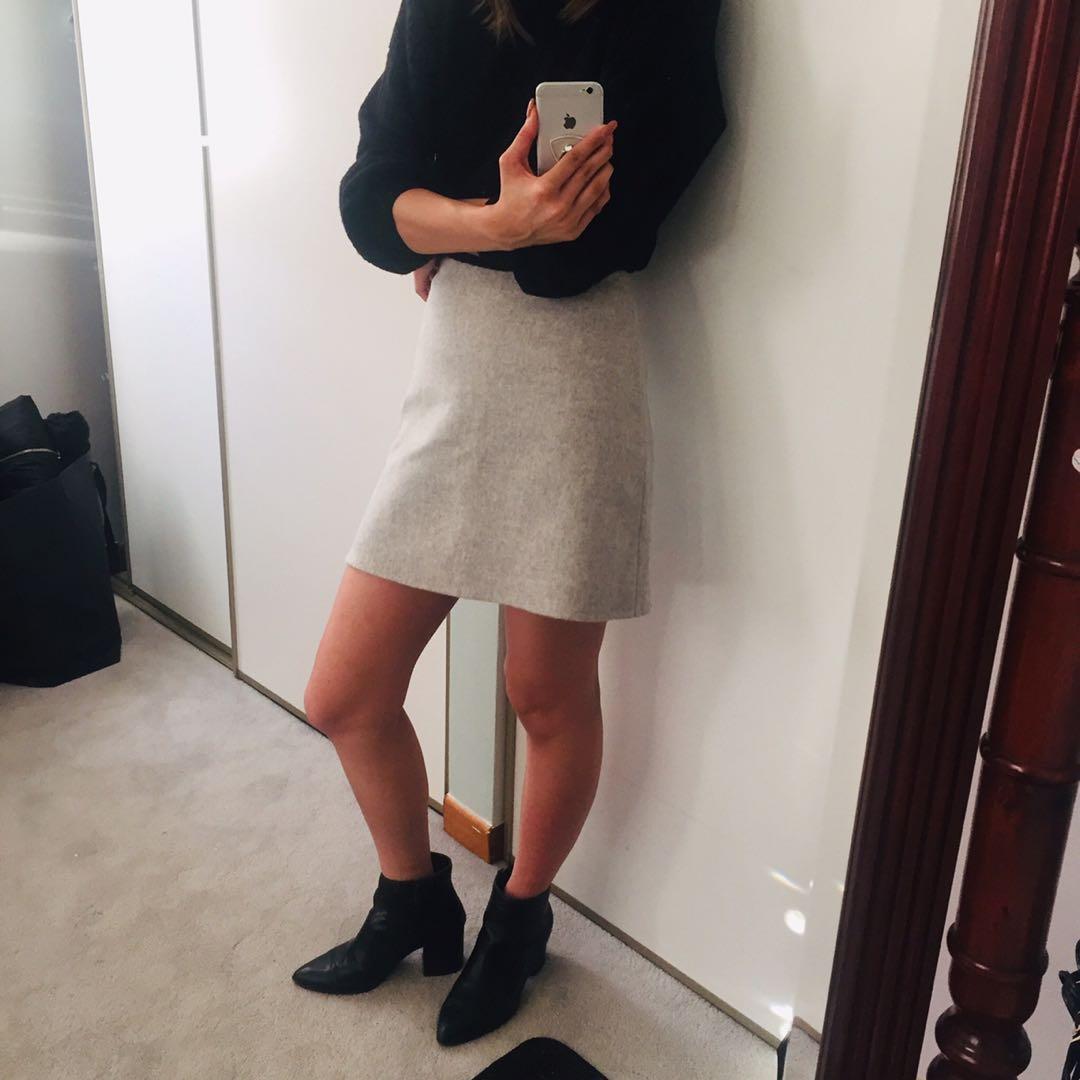 Club Monaco-Wool Mini Skirt (00)