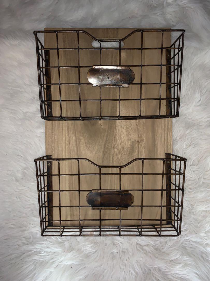 Hanging file holders