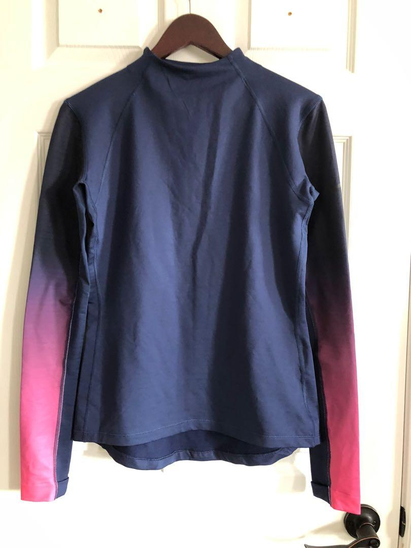 Like New NIKE Pro Hyperwarm Women's Pullover with Thumb Holes (L)