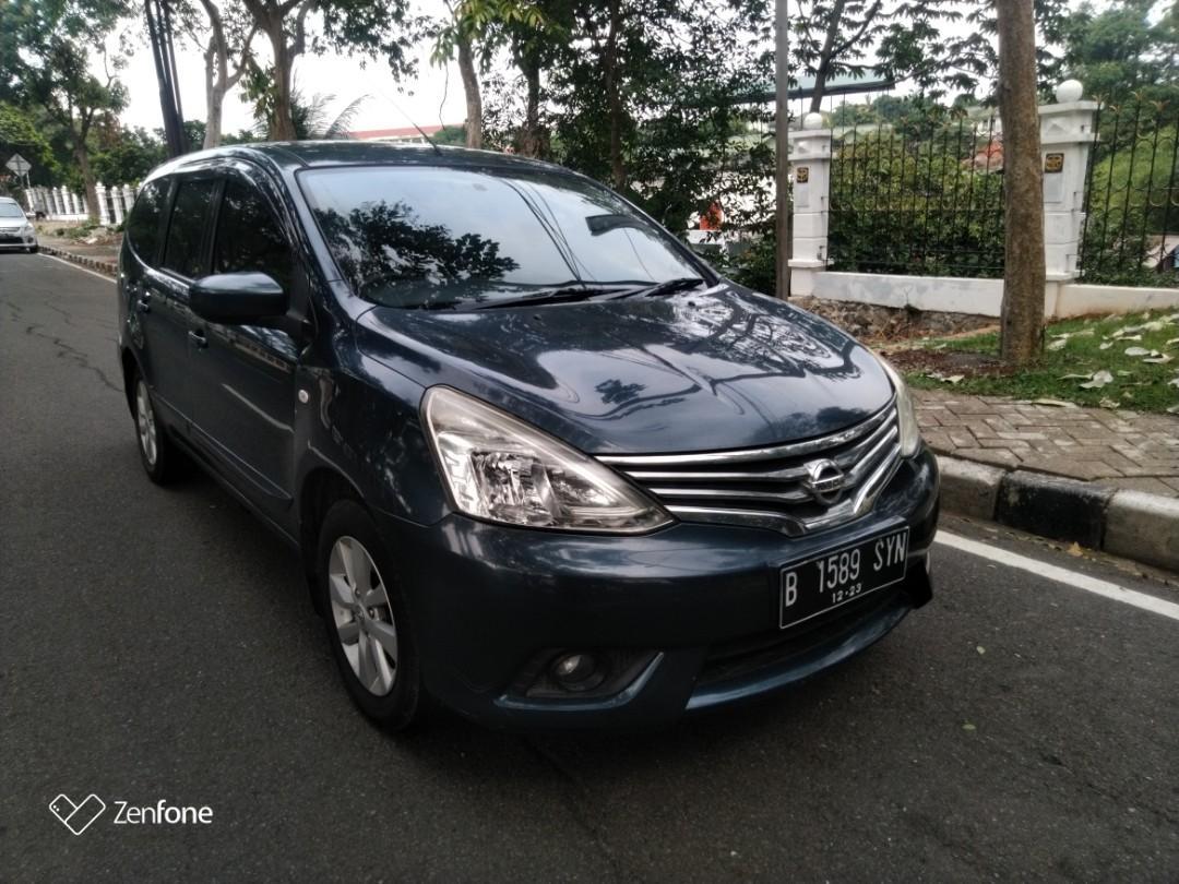 Nissan Grand Livina XV CVT 2013
