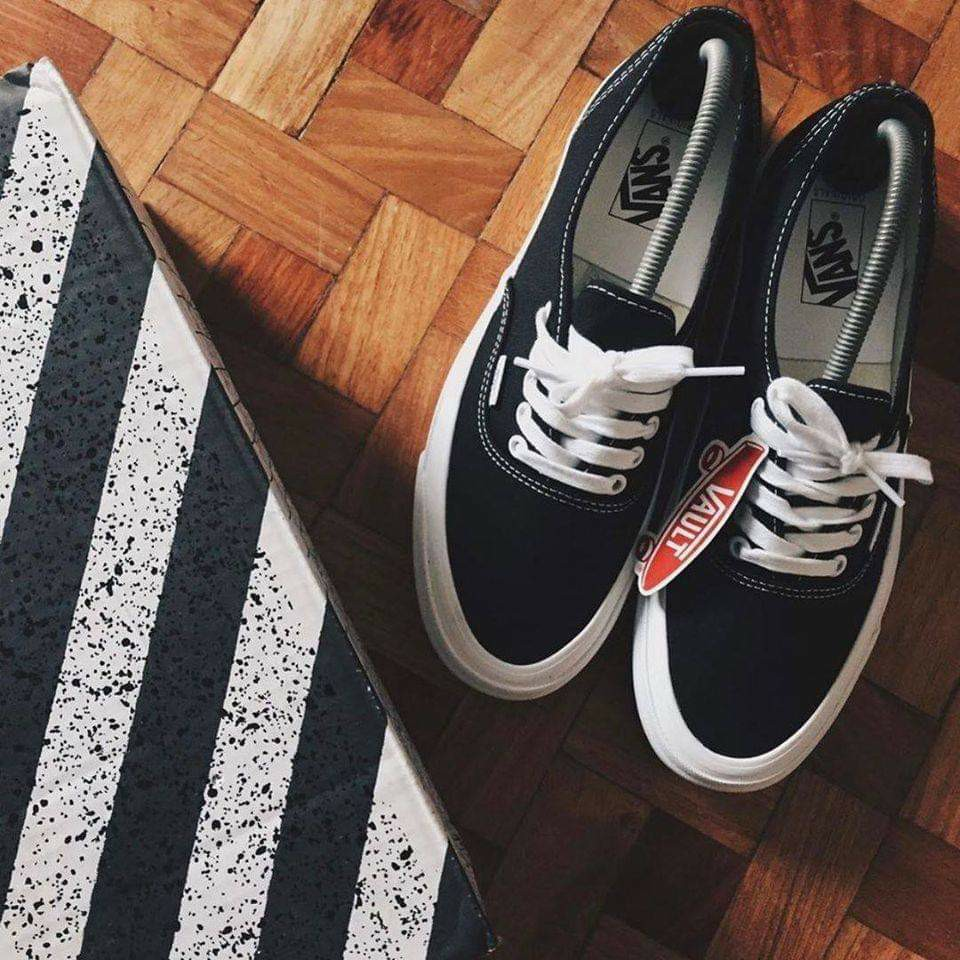 Vans Vault Authentic Black v2, Men's Fashion, Footwear, Sneakers ...