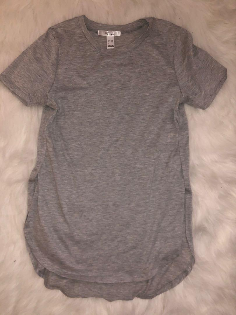 Basic grey T with Slits on sides