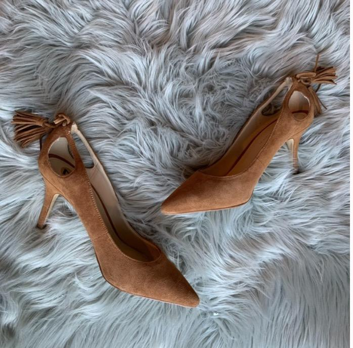 brown pumps/kitten heels (size 7)