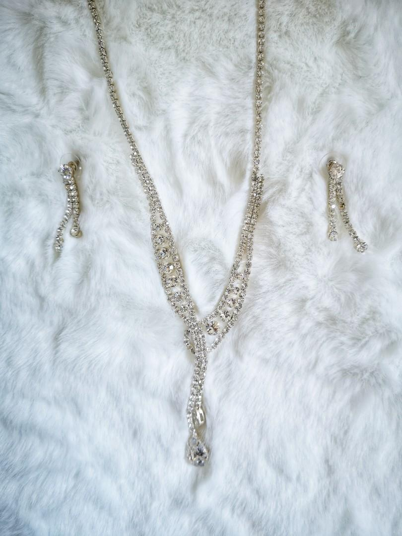 Glam Earrings and Necklace Set