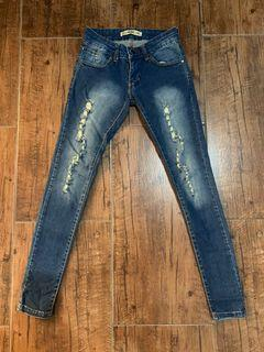 Ripped jeans size S