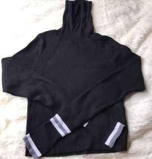 Zara Turtle neck cropped shirt