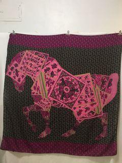 羊毛大方巾130x130公分