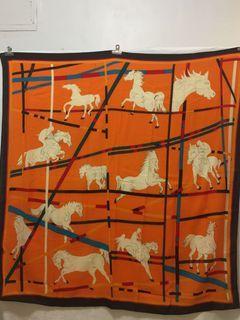 駿馬奔騰羊毛大方巾130x130公分