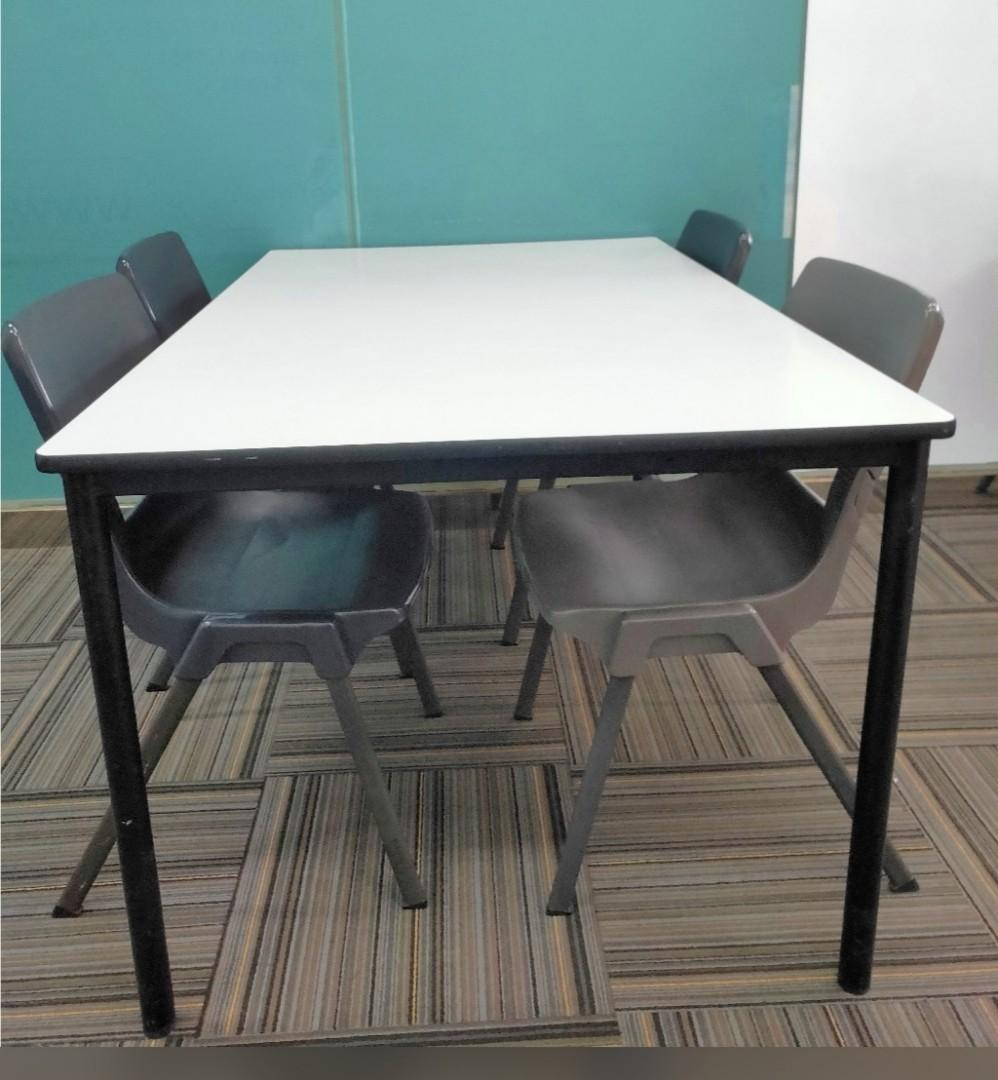 Picture of: 2 Well Maintained Classroom Tables 8 Chairs Furniture Tables Chairs On Carousell