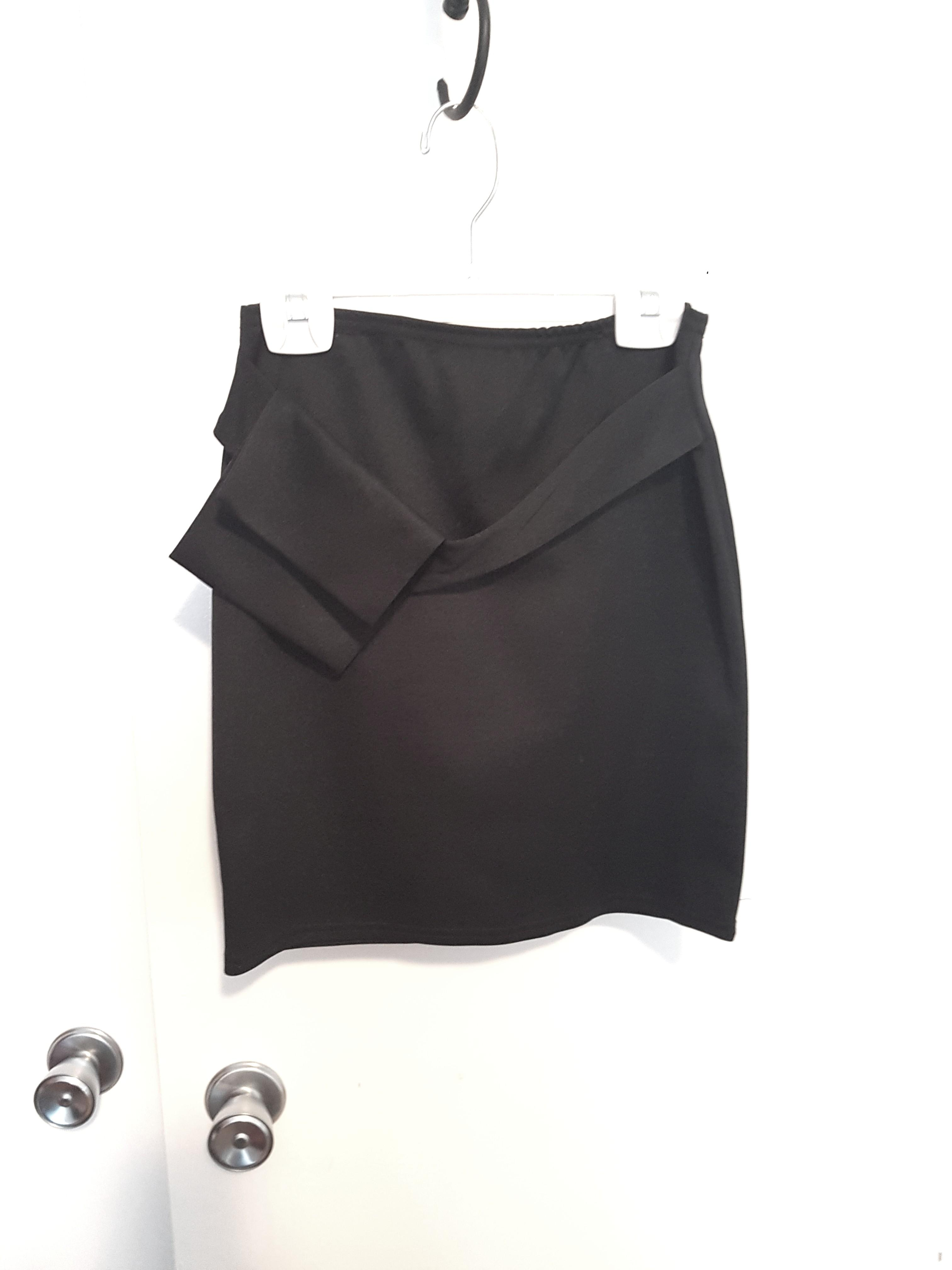 Black mini skirt with pouch