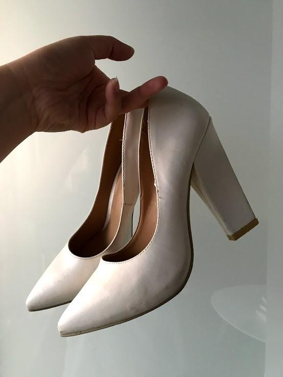 Forever 21 White Chunky Heel Size 8