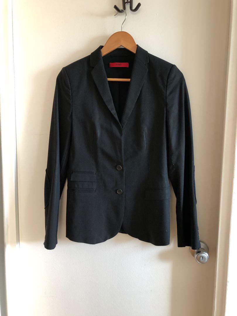 Hugo Boss fitted blazer, size US 6