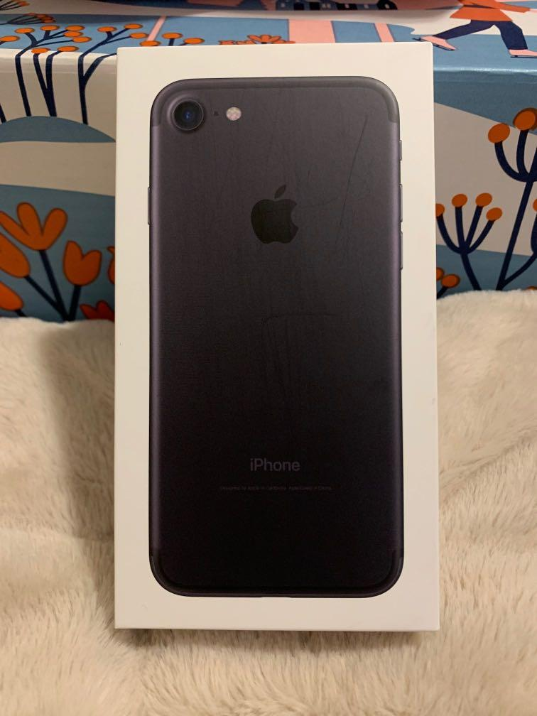 iPhone 7 (barely used)