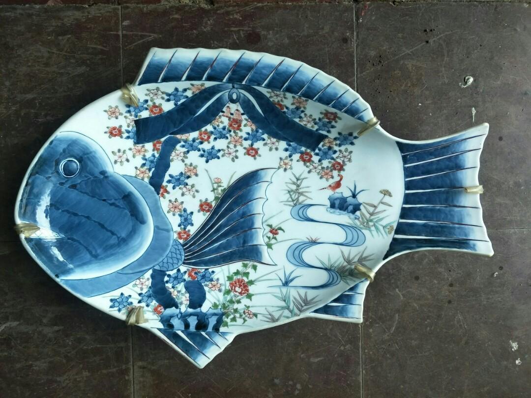 Pajangan imari ikan