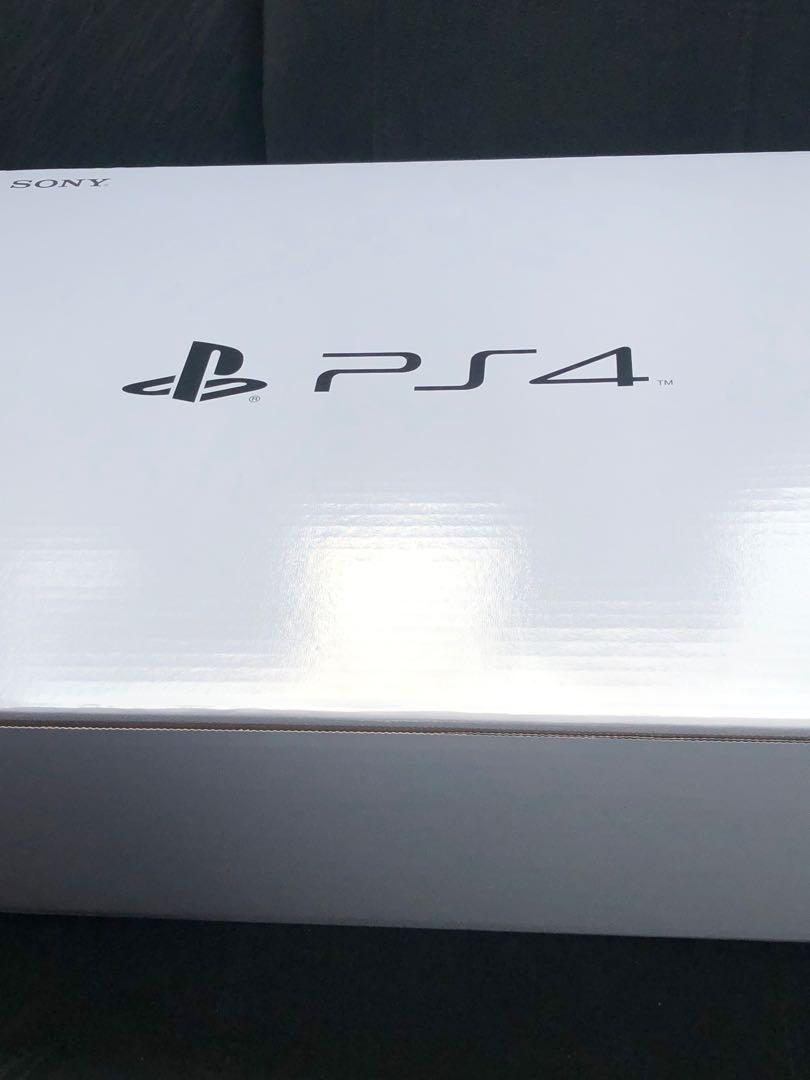 PlayStation 4 + Game