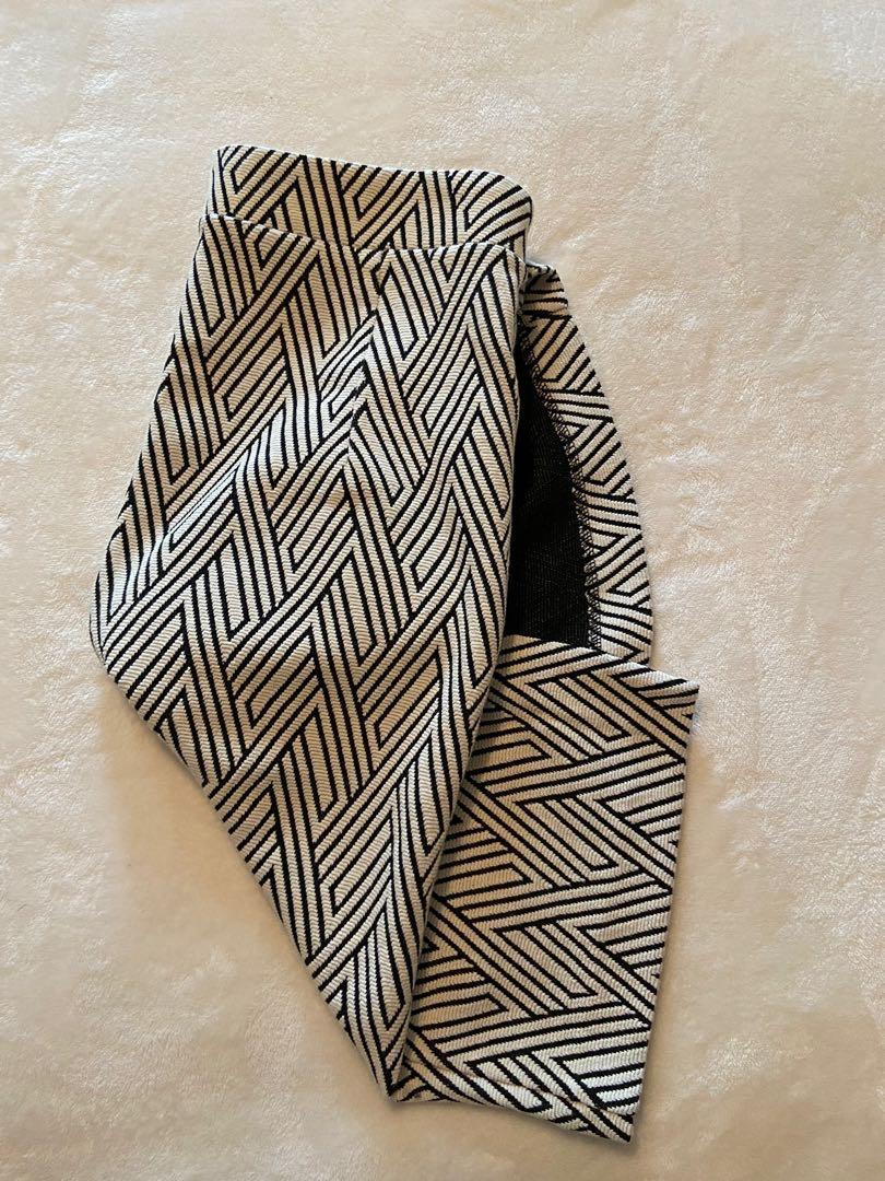 Banana Republic - Black/White Pencil Skirt