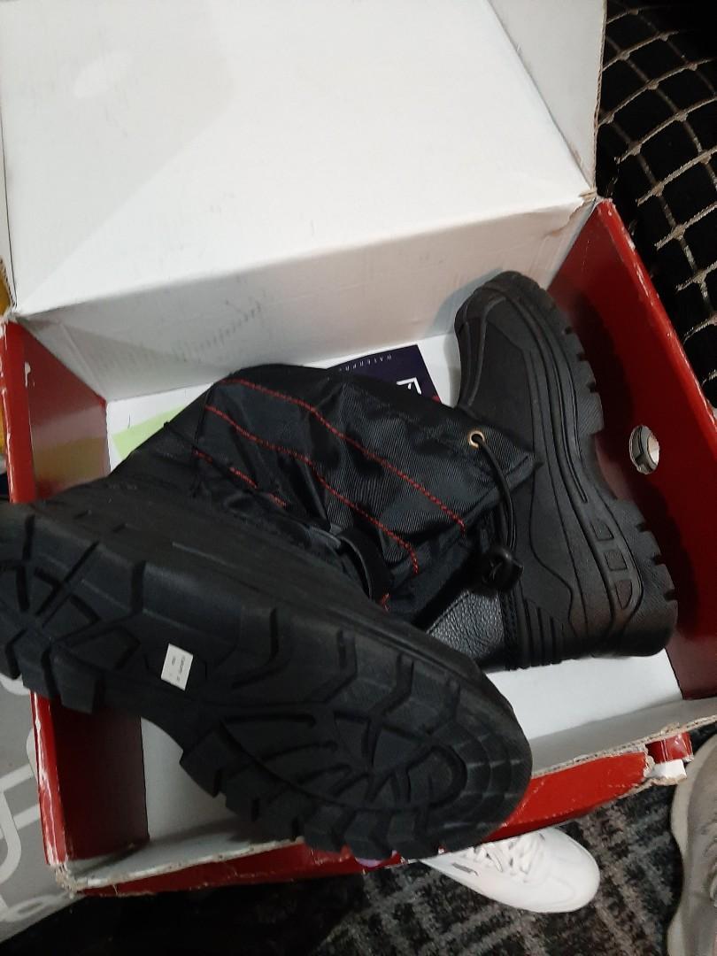 Boys winter boots