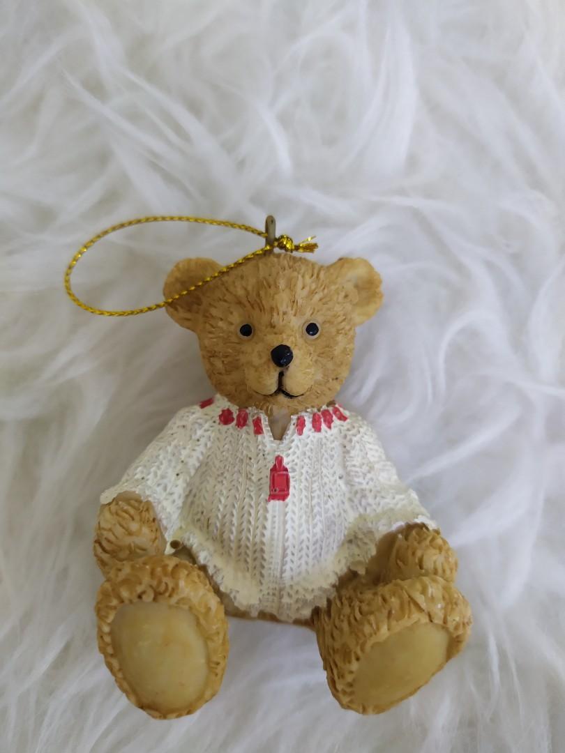 Gantungan pohon natal bear sweater putih
