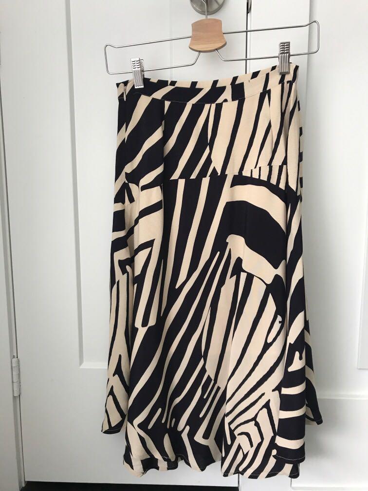 Mid-length flowy skirt
